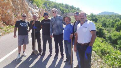 Photo of Falenderojmë banorët e Trieshit për aksionin e tyre në mirëmbajtjen e rrugës….